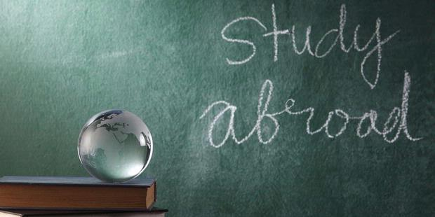 studying abroad? you must needthese!